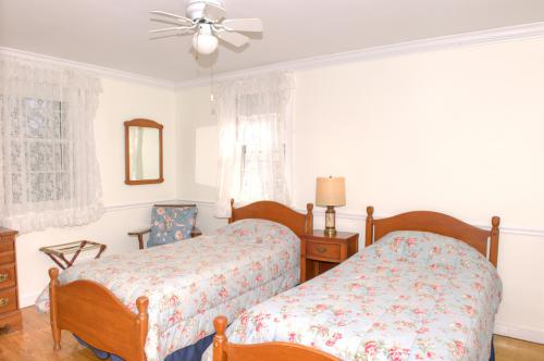 C1 Carriage House - 2 twi-Twin room-Ensuite-Standard-Woodland view