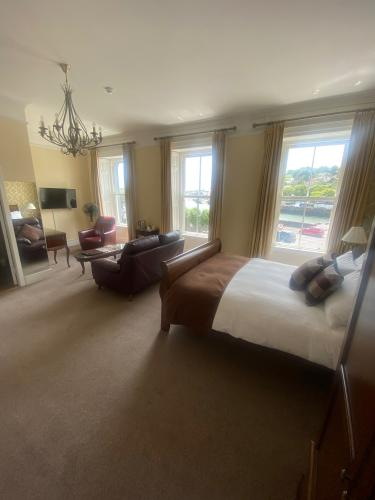 Junior Suite-Ensuite-Sea View