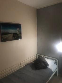Chambre Simple-Basic-Salle de bain et douche-Vue sur la cour - Tarif de base