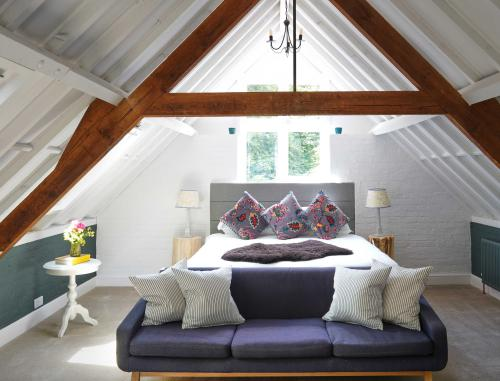 Loft-Luxury-Ensuite with Bath-Countryside view-Ebble