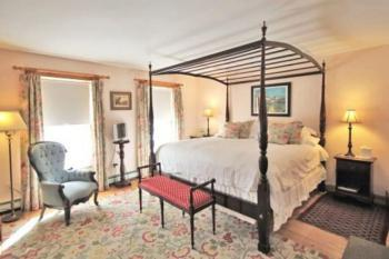King Bed room, the Andover
