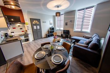 Appartement-Confort-Salle de bain et douche-Vue ville