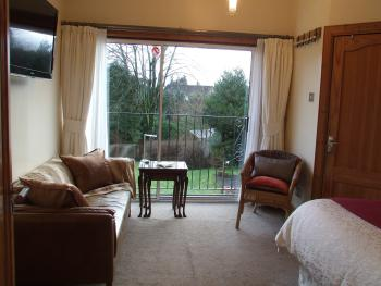 Double room with ensuite facilities, garden view