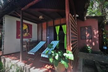 Villa-Confort-Salle de bain et douche-Vue mer-Confort Twin Beach 2