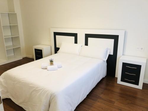 Apartamento-Confortable-Baño Privado-Vista a la Piscina - Tarifa canales