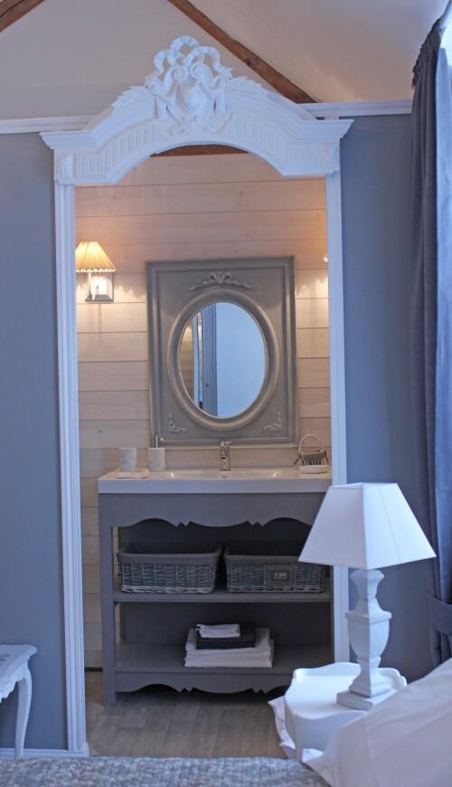Chambre double salle de bain privée séparée