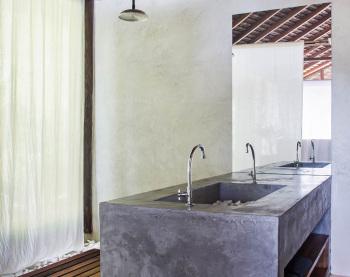 KA BRU River Rental Villa - Garden Suite Shower