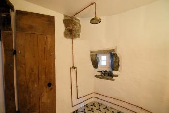 'Speel' En Suite in the castle turret with underfloor heating