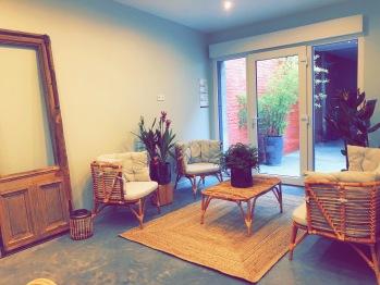 Chambre Simple-Classique-Douche-Vue sur la cour - Tarif sites de vente