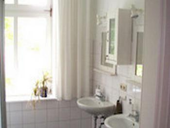Twin room-Private Bathroom