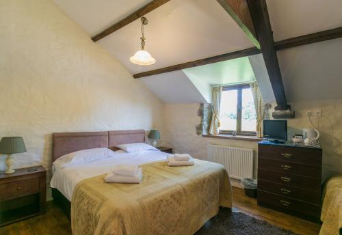 Family room-Ensuite-(Sleeps upto 4) - Base Rate