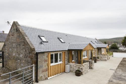 1 Wee-Kalf Cottage 3 Night+ Stay