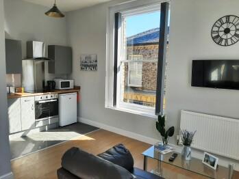 Malton Central Apartments - Open Plan Kitchen