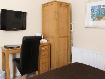 Std Dbl Room 10 - 1st Floor Coach House