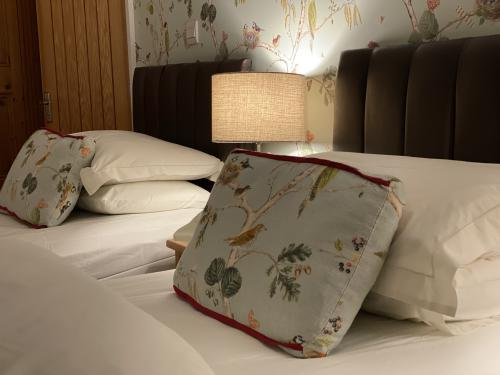 Superior-Double room-Garden View-Ensuite with Shower-Woodpecker - OTA Rate