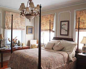Queen-Private Bathroom-Standard-Street View-Oriental Room