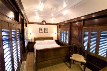 A Pullman Carriage room