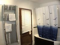 Rm 10 Superior Junior Suite 4 poster bed - ensuite shower over bath