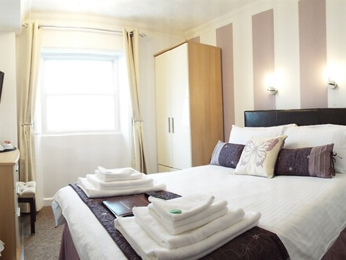 Double room-Ensuite-Sea View-Room 9 - Base Rate