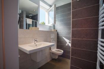 salle de bain double et single