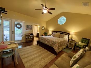 Quad room-Ensuite with Shower-Garden View-Juniper Room - Base Rate