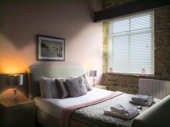 Castle Hill Suite Bedroom