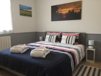 Double room 2 - Queen size bed 160x200cm