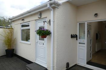 Magnolia Suite - own front door