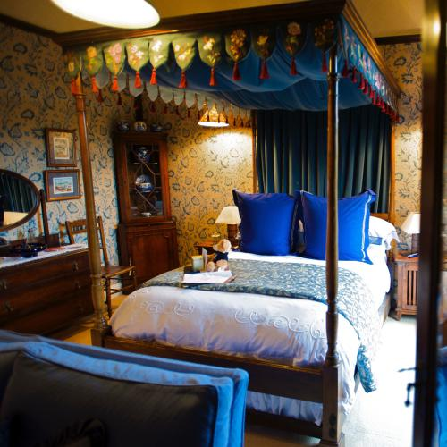 Superior Double Four Poster Room