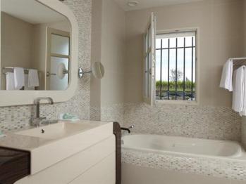 """Salle de bain chambre """" La Rose Perrière """""""