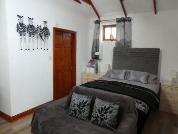 Double room-Ensuite-Barn Owl