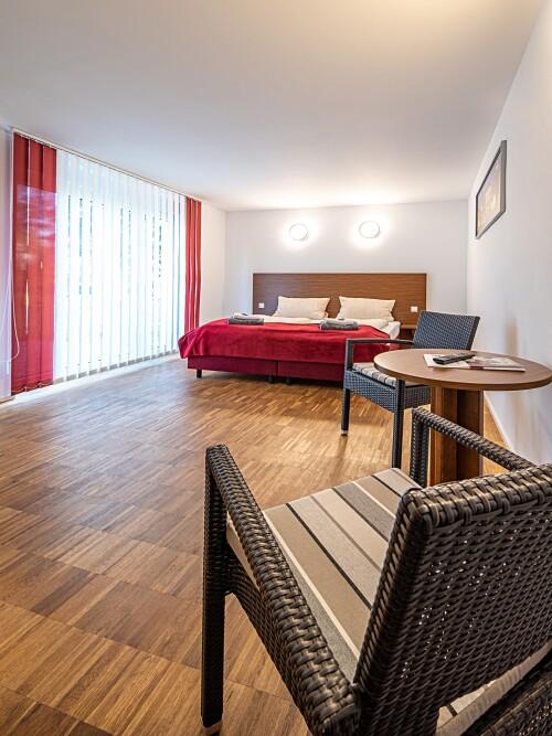Doppelzimmer-Standard-Eigenes Badezimmer-Terrasse - Basistarif