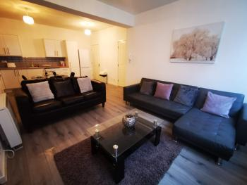 Apartment-Private Bathroom-2 Bedroom - Sleeps 5 - Base Rate