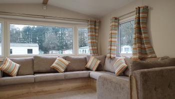 Caravan Paddock 66 - Living room