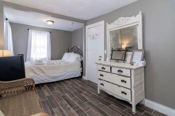 Double room-Ensuite-Standard-Tamarind Room - Base Rate