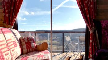 Vue du canapé de la Suite sur la vallée