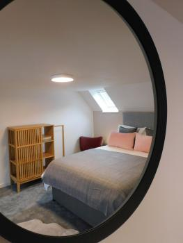 2 x king bedrooms with dual aspect windows, both with blackout blinds