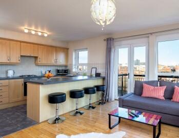 Open Plan View Lounge & Kitchen