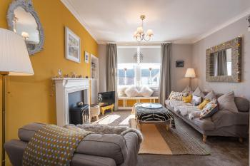 McHoppity House Crail - Sleeps 7 - Free Parking -