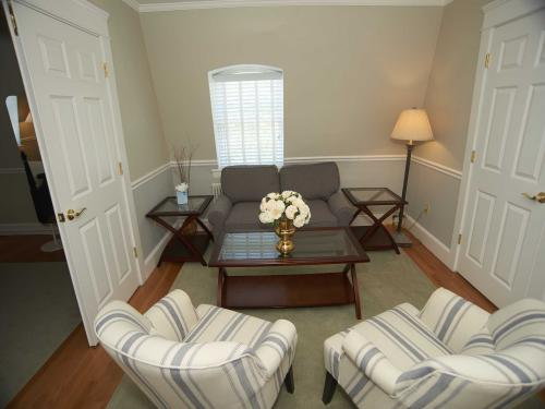 The Manor 131 Suite (no p-Quad room-Ensuite-Standard - Base Rate