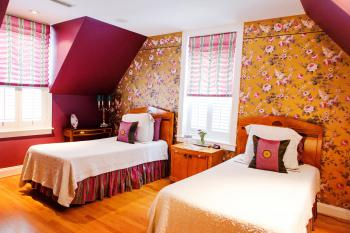 Lilac Room -Double room-Ensuite with Shower-Classic-Terrace - Base Rate
