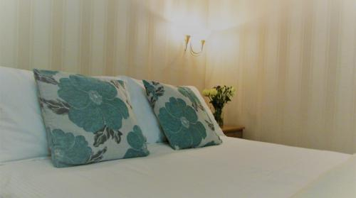 Triple room-Suite-Ensuite-Family for 4 persons - Base Rate