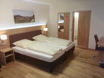 Dreibettzimmer-Superior-Eigenes Badezimmer