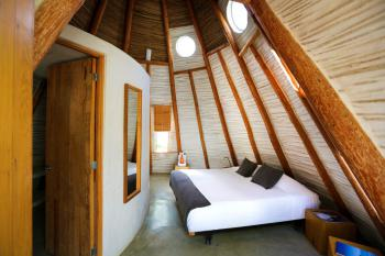 Deluxe-Private Bathroom-Tepee-KB