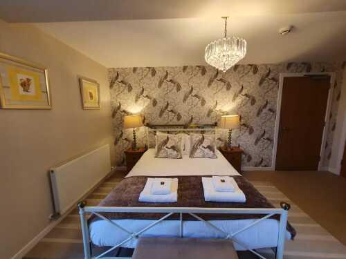 Apartment-Private Bathroom-AC15 - Base Rate