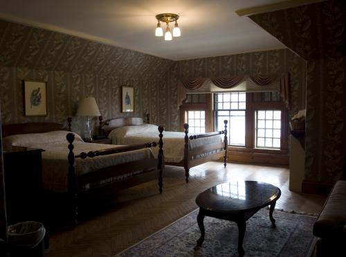 Quad room-Shared Bathroom-Standard-7. Mill Room - Base Rate