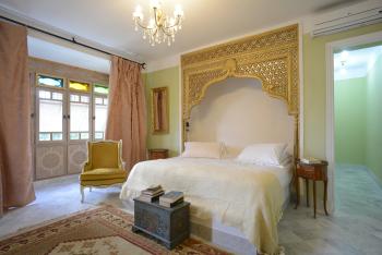 Beit Sara -Suite-Royale-Salle de bain et douche-Vue sur Jardin