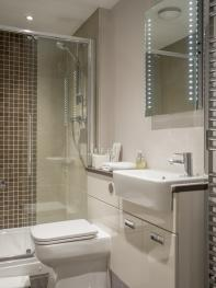 Shared bathroom 11-13