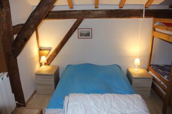 Chambre 2: Lit de 160 et 2 lits superposés