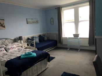 Quad room-Large-Ensuite